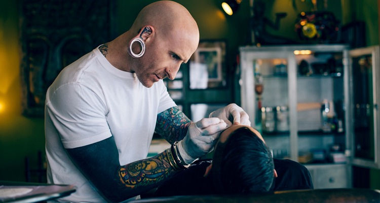 How to Choose a Body Piercing or Tattoo Studio