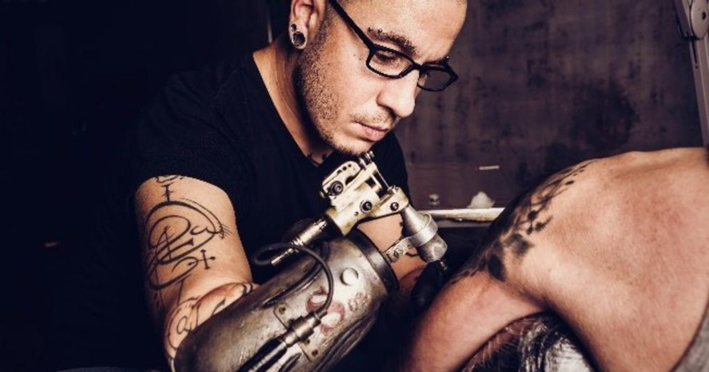First prosthetic tattoo gun arm