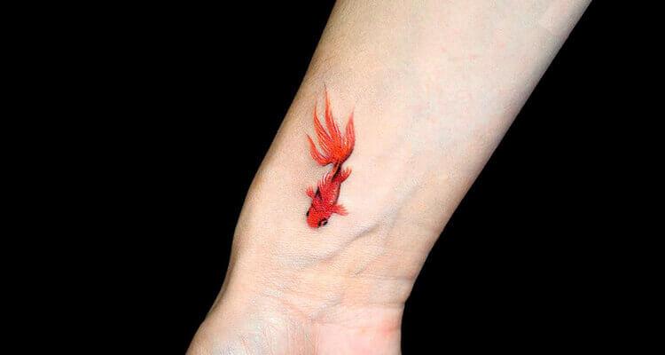 tattoo-with-a-beautiful-goldfish