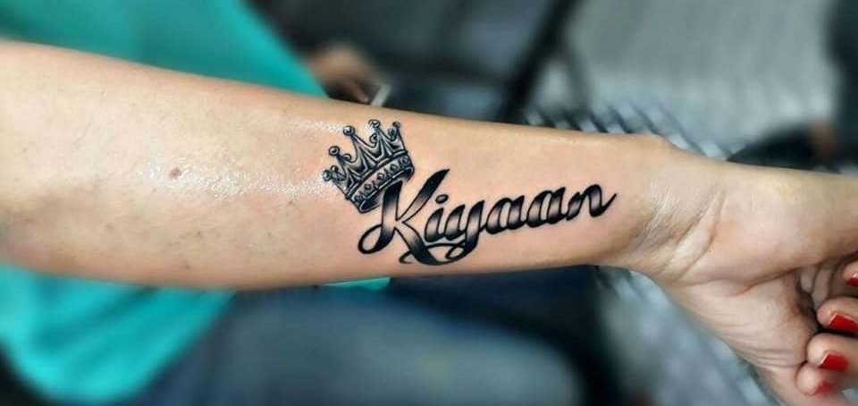 65 Memorable Name Tattoos Ideas And Designs On Arm