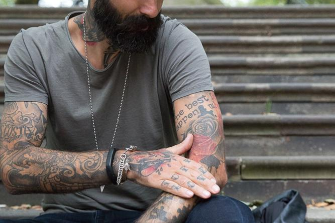 scabbing tattoo men