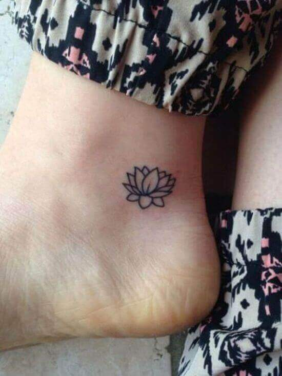 Tiny simple lotus tattoo ideas for women