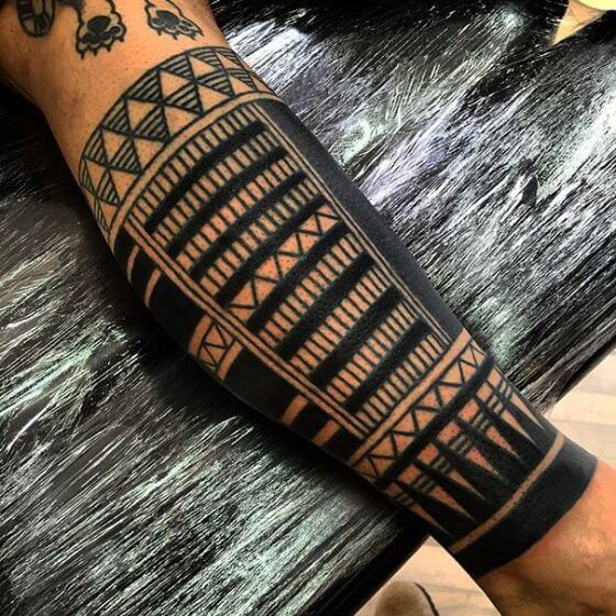 Black ink maori tattoo designs