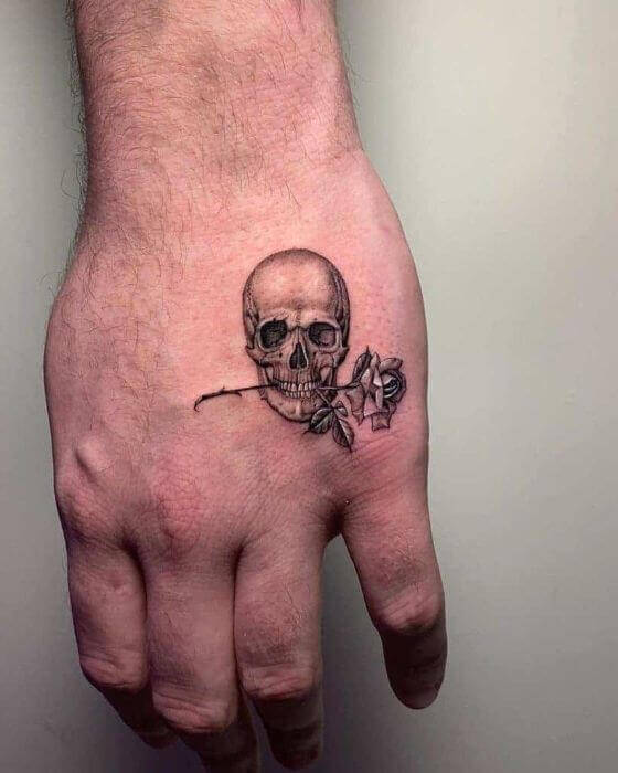 mini-hand-skull-and-rose-tattoo-ideas