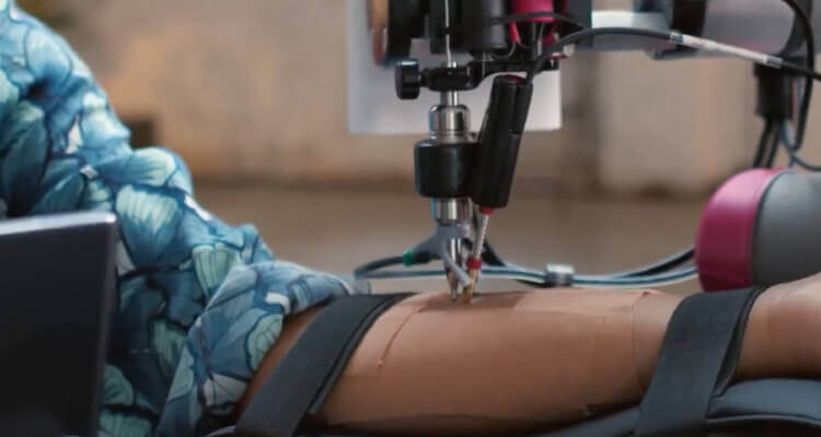 remote-tattoo-by-robots-5g-tecnology