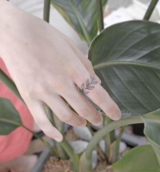 Leaf Finger Tattoo