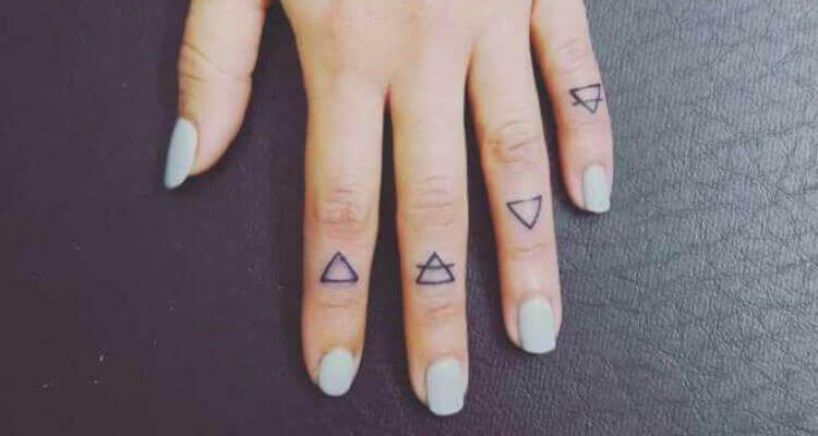 Top 40 Finger Tattoos For Women
