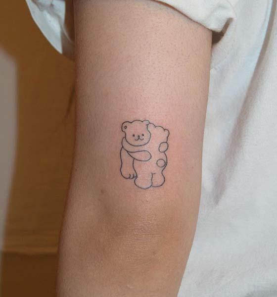 Outline Bear Tattoo Ideas for Women