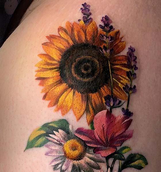 Beautiful Realistic Sunflower Tattoo Ideas for Women