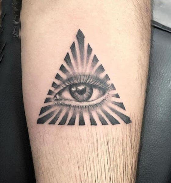 Wonderful Eye Tattoo Design